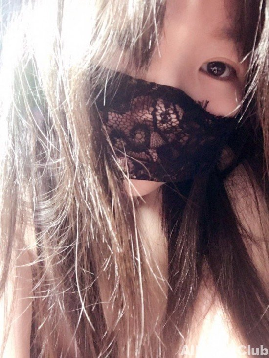 Lovely and sexy Japanese teen girl