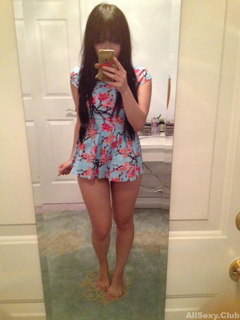 Cute Asian Girl Showing Her Sexy Body