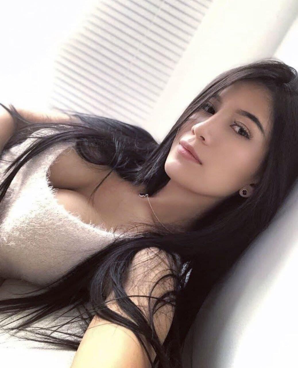 Sweet Latina girl @emilyortiz nudes